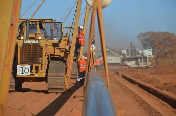 Northern Gas Pipeline lowering in